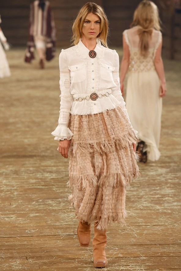 Chanel 088 2000 592x888 Kristen Stewart si zahrá kovbojku v štýle Chanel