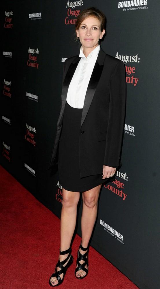 Julia Roberts in Givenchy August Osage County LA Premiere 553x1000 Najlepšie a najhoršie outfity týždňa