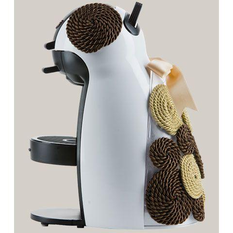 skramlova Charitatívna aukcia:   Kávovar NESCAFÉ DOLCE GUSTO od KRUPS  dizajnovaný Romanou Škamlovou