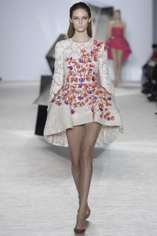 giambattista valli spring 2014 haute couture show21 610x914 Haute Couture šaty, ktoré chceme vidieť na Oskaroch