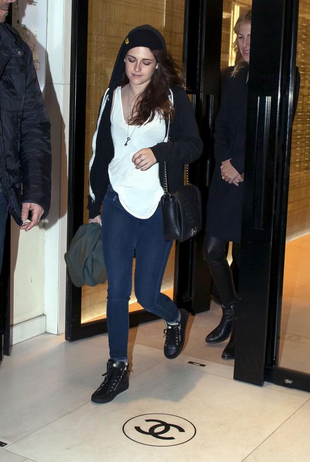 Kristen Stewart 23 610x908 Najlepšie a najhoršie outfity týždňa