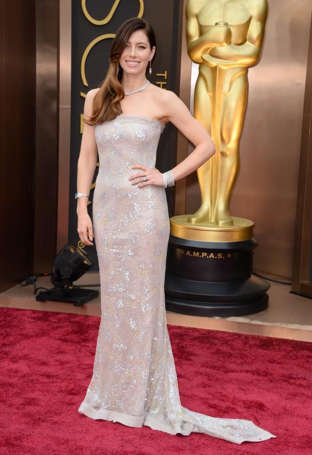 Jessica Biel 1 610x890 Najlepšie a najhoršie outfity týždňa /Oscary 2014/