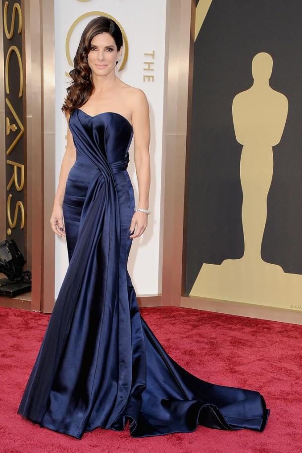 Sandra Bullock Oscars 2014 610x914 Najlepšie a najhoršie outfity týždňa /Oscary 2014/
