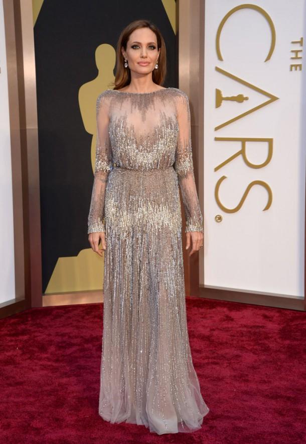 angelina jolie700 610x883 Najlepšie a najhoršie outfity týždňa /Oscary 2014/
