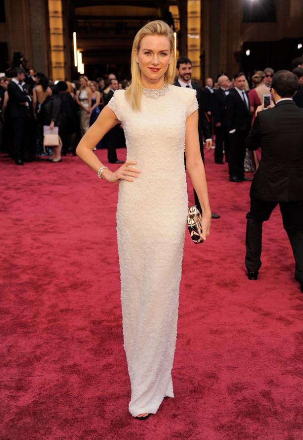 movies naomi watts oscars 2014 610x884 Najlepšie a najhoršie outfity týždňa /Oscary 2014/