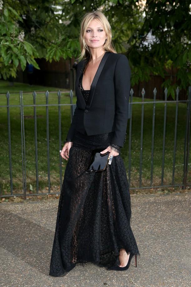Kate Moss 610x917 Hviezdy, ktoré milujú Le Smoking
