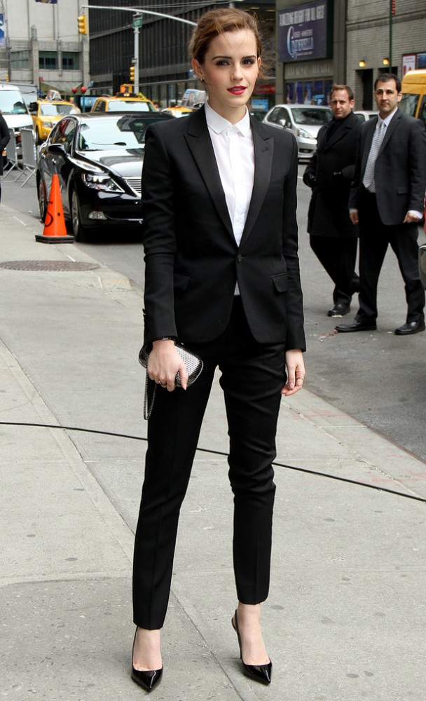emma watson new york late show with david letterman march 2014 608x1000 Hviezdy, ktoré milujú Le Smoking