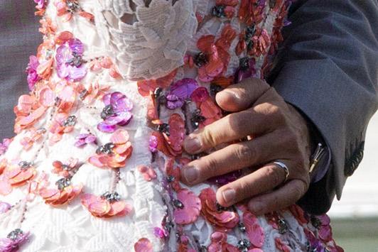 amal closeup 3054356a George Clooney & Amal Alamuddin prvý krát ako manželia