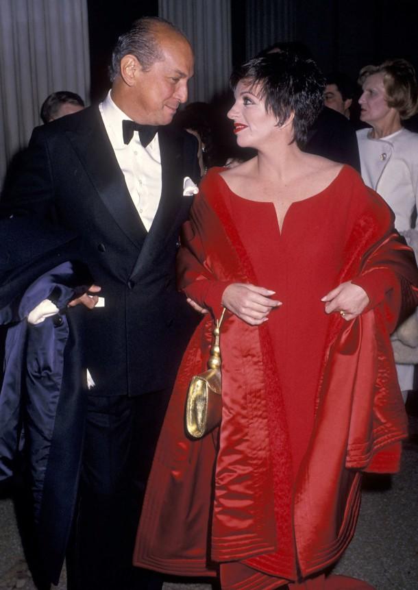 oscar de la renta and liza minnelli 1989 610x861 Najmagickejšie momenty Oscara de la Rentu