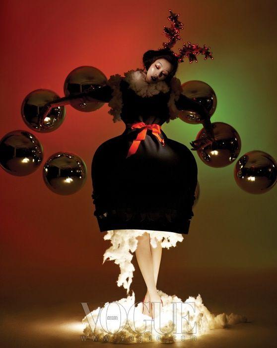 vogue korea December 2012 To najkrajšie z vianočných módnych editorálov