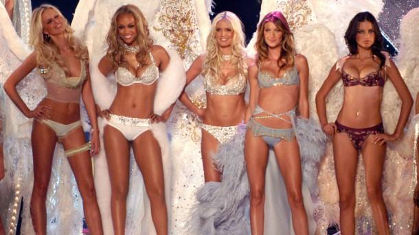 hbz VS Fashion Show 2003 lg 610x343 Throwback Thursday: Victoria´s Secret