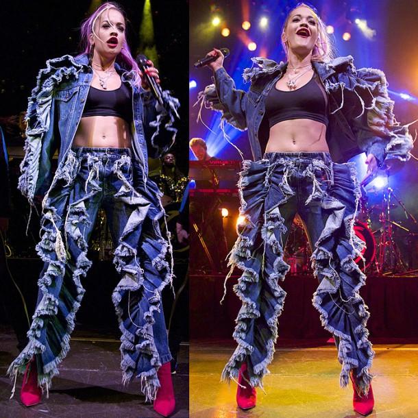 Rita Ora ruffle denim outfit 610x610 Najhoršie outfity roku 2014