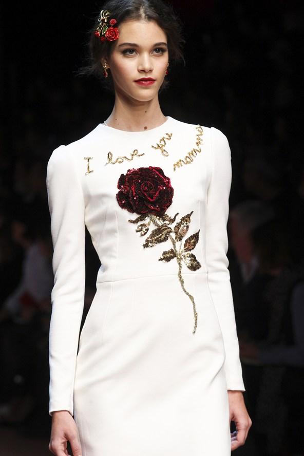 00010h 592x888 Dolce & Gabbana: Oslava materstva