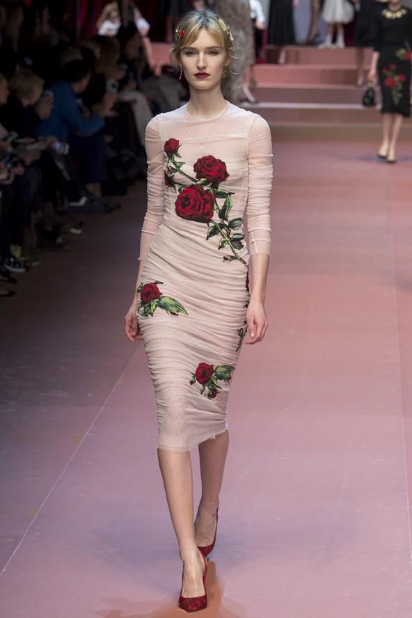 00660h 592x888 Dolce & Gabbana: Oslava materstva
