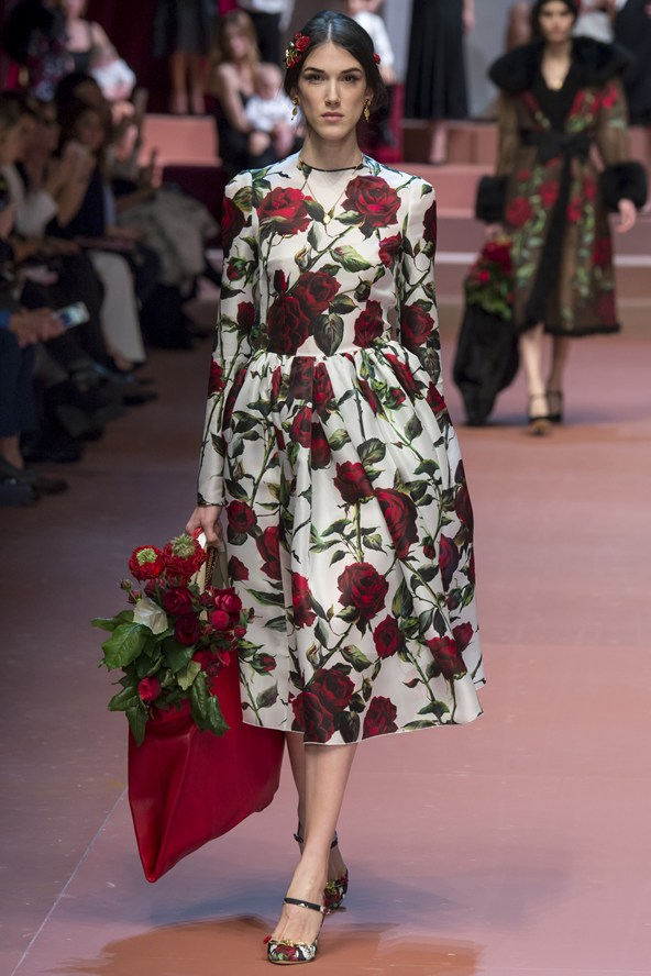 00760h 592x888 Dolce & Gabbana: Oslava materstva