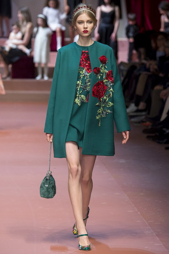 00790h 592x888 Dolce & Gabbana: Oslava materstva