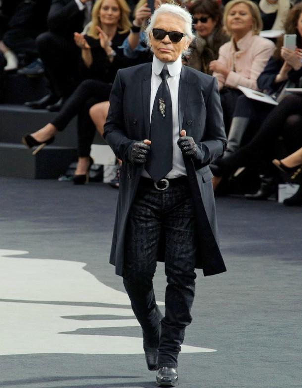 Karl Lagerfeld visuel article2 610x784 Uniformy najvplyvnejších ľudí v móde