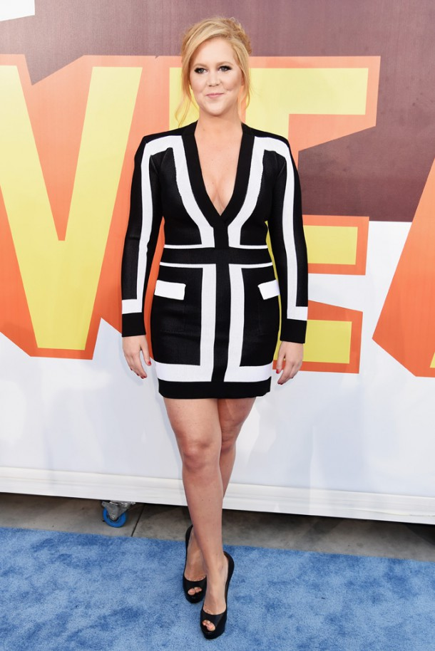 amy schumer 610x914 Hviezdy na MTV Movie Awards