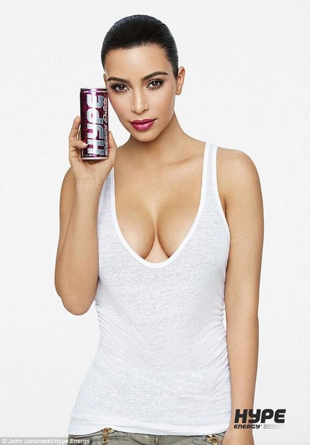 2ACC8D9400000578 0 image a 95 1437735125416 610x874 Kim Kardashian opäť pózovala
