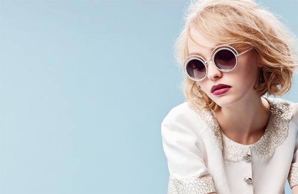 lily rose depp Lily Rose Depp je novou tvárou značky Chanel