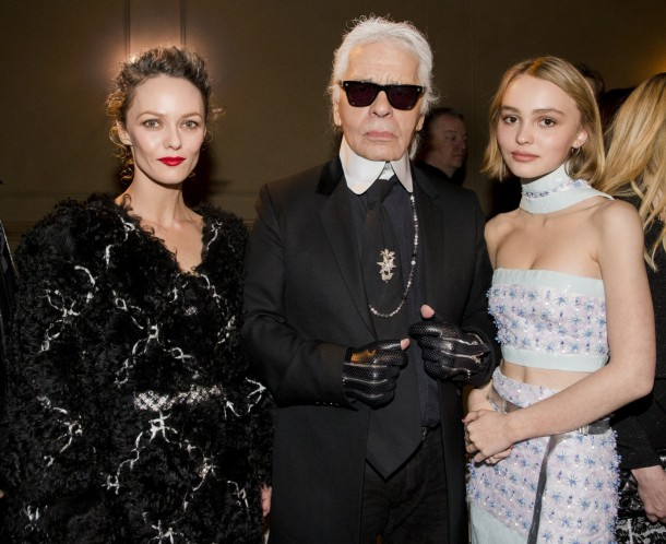 paris salzburg metiers dart collection new york ambiance pictures by kevin tachman vanessa paradis karl lagerfeld lily rose depp chanel 1246635150 610x498 Lily Rose Depp je novou tvárou značky Chanel