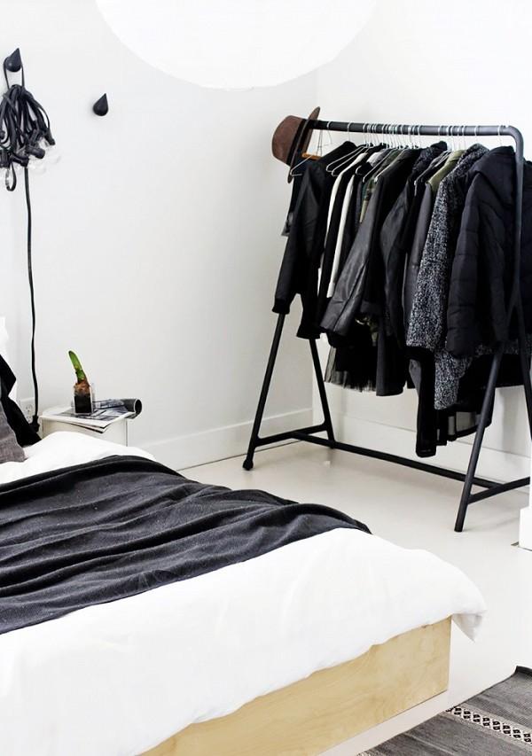 11 closet ideas for the minimalist girl 1578337.600x0c 10 tipov ako si zariadiť šatník v minimalistickom štýle