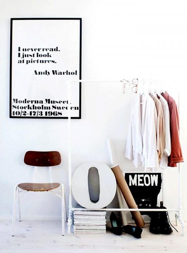 11 closet ideas for the minimalist girl 1578338.600x0c 10 tipov ako si zariadiť šatník v minimalistickom štýle