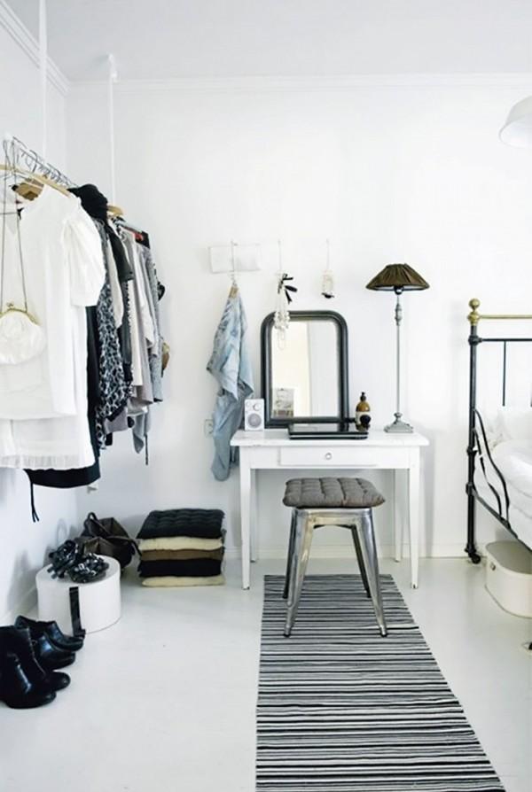 11 closet ideas for the minimalist girl 1578341.600x0c1 10 tipov ako si zariadiť šatník v minimalistickom štýle