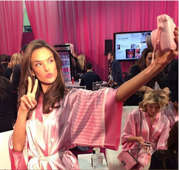 Capefefture 610x582 BACKSTAGE: Victoria´s Secret Fashion Show 2015