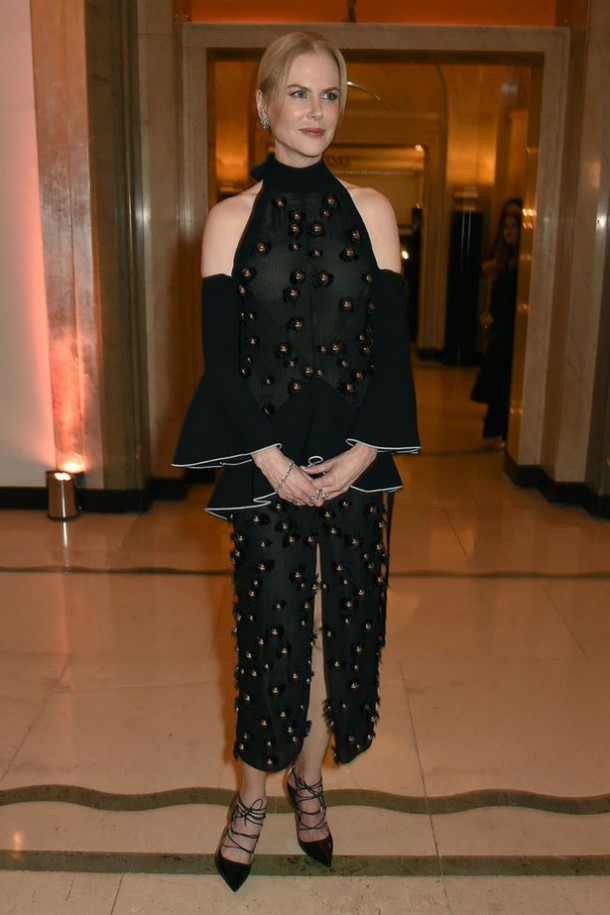 Harpers Bazaar Women of the Year Awards 1 610x915 Najlepšie a najhoršie outfity týždňa