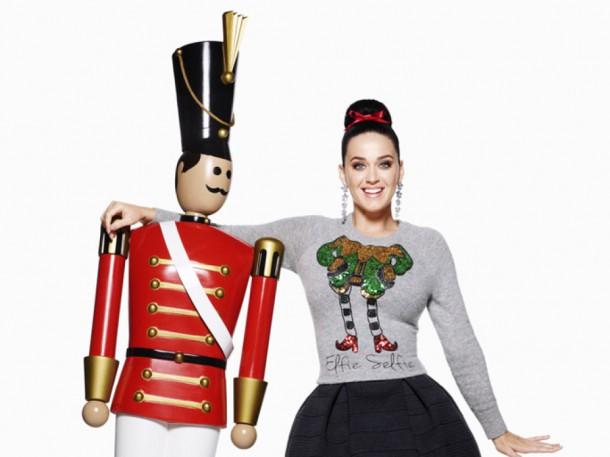 katy perry elfieselfie 610x457 Katy Perry je tvárou vianočnej kampane pre H&M