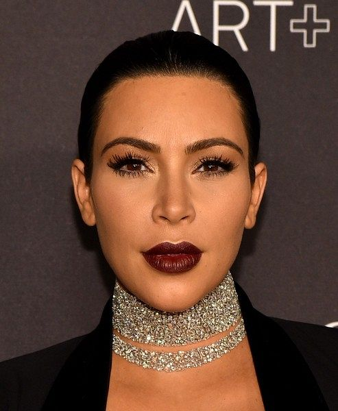 "Kim Kardashian LACMA 2015 Art Film Gala Honoring mrmcnZFl66dl Make up trendy: 2 zimné líčenia so ""Chanel Rouge Noir Absolument collection"""