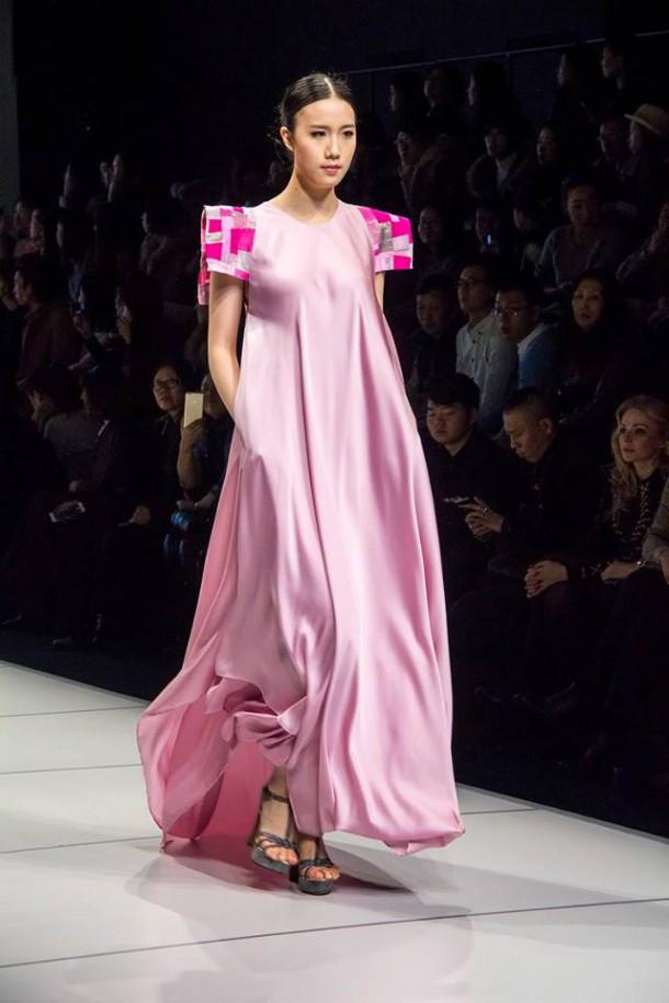 12647133 1012495568788765 5890072770510095819 n 610x915 Košická módna návrhárka Ida Sandor na Harbin Fashion Weeku