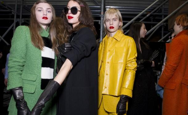 02aw16bs maxmara 059 610x373 Milan Fashion Week   Deň 1