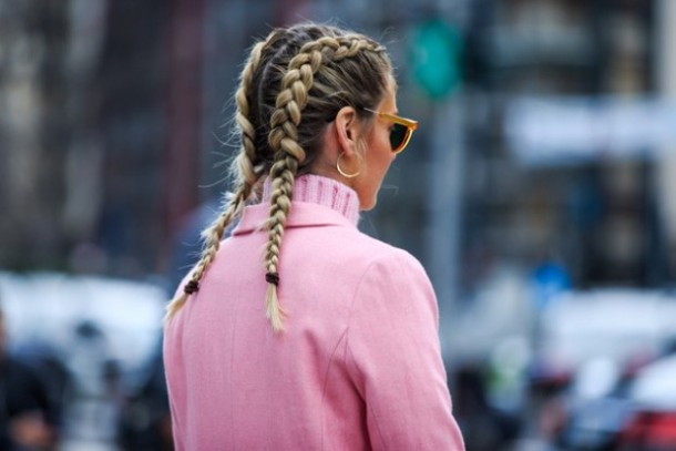 Pancake braids braids boxing or fishtail braids braids have already signed their comeback 1 1 620x414 610x407 Top streetstyle  trendy z Milánskeho Fashion Weeku
