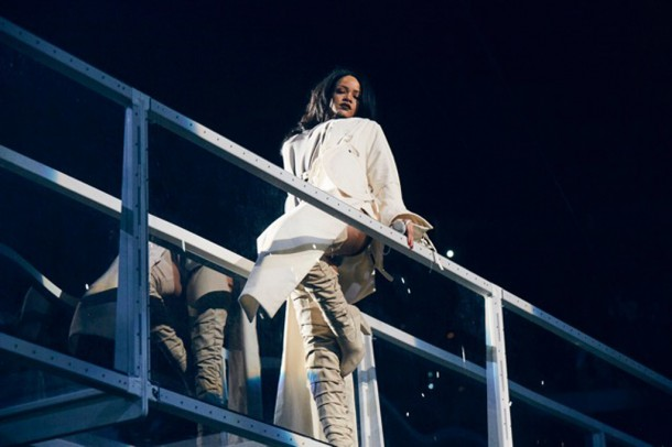 rihanna anti world tour giuseppe zanotti 4 610x406 Štýl neštýl: Rihanna na Anti Tour