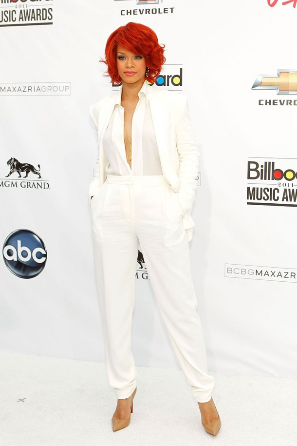 5502a7966d9e7    2011 may 22 billboard music awards rihannas best outfits v 610x915 Naj outfity: Rihanna