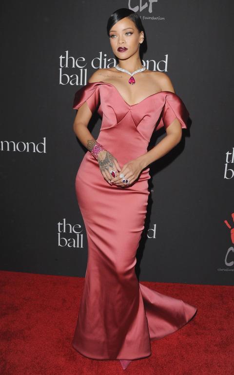 december 11 2014 Naj outfity: Rihanna