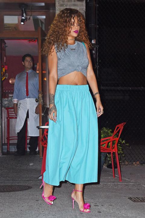 gallery 1436721965 rihanna spl1077155 016 Naj outfity: Rihanna