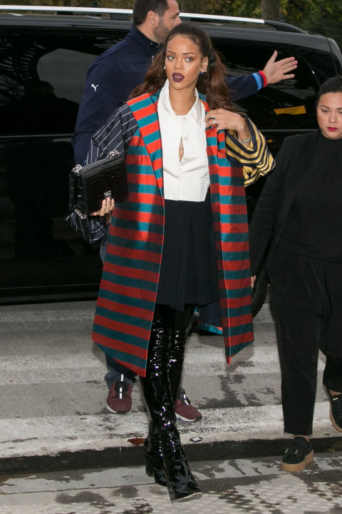 gallery 1443991671 gettyimages 491300230 Naj outfity: Rihanna