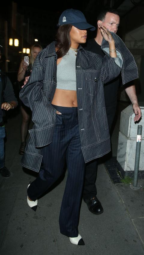gallery 1466896276 spl1307891 004 Naj outfity: Rihanna