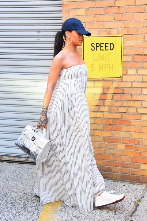 gettyimages 534837466 Naj outfity: Rihanna