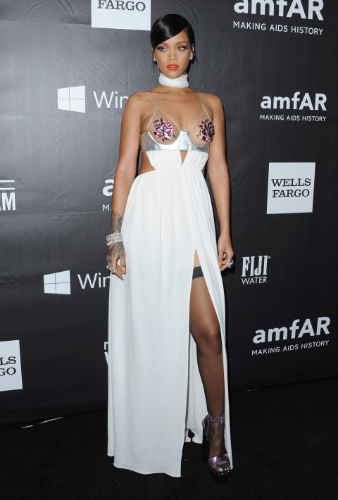 oct 29 2014 Naj outfity: Rihanna