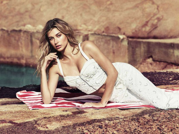 Hailey Baldwin in GUESS Spring 2017 6 610x457 Hailey Baldwin v kampani Guess spring 2017