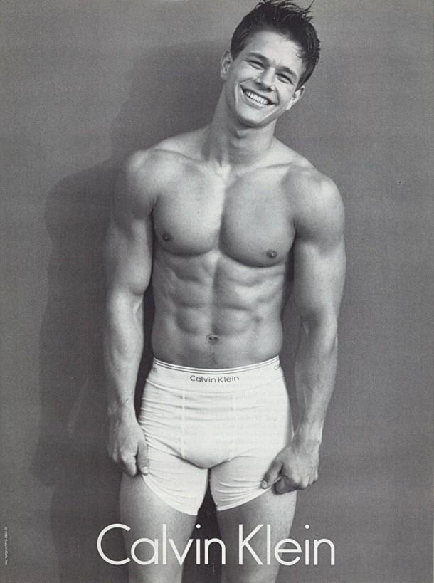 Mark Wahlberg Calvin Klein Underwear Campaign 1992 800x1075 610x819 Calvin Klein mení logo