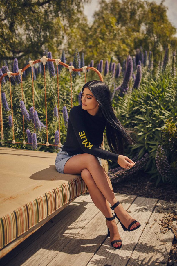 Kylie Jenner Kendall Kylie DropTwo Collection 2017 1 610x915 Nová kolekcia Kendall + Kylie