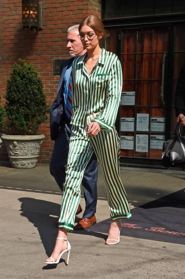 Gigi Hadid 610x916 Svetové modelky a pyžamové looky v bežnom dni!