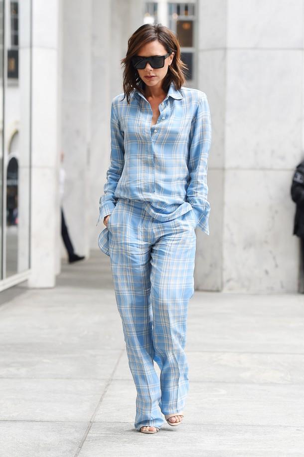 Victoria Beckham 610x916 Svetové modelky a pyžamové looky v bežnom dni!