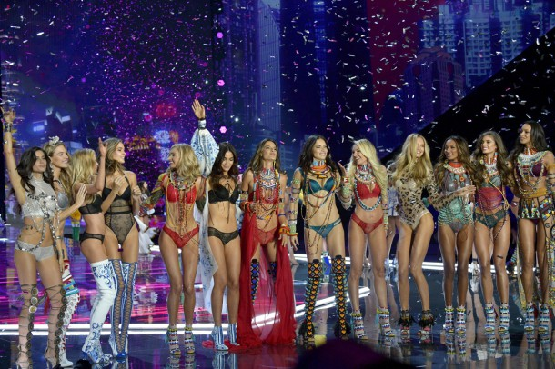 Victorias Secret Fashion 10 610x406 Victoria s  Secret Fashion Show 2018