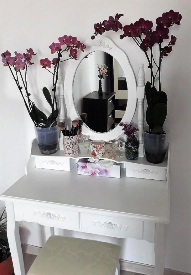 25052019 StajlSK toaletne stoliky 03 610x877 Eleganté a praktické. Toaletné stolíky!